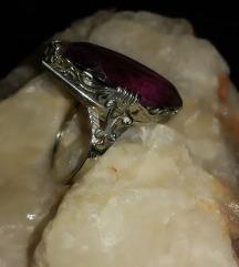 Antikni prsten