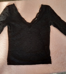 Bershka off shoulder cipkasta majica