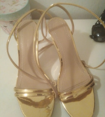 Bershka nove zlatne sandale