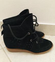 Povišene cipele/patike