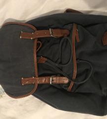Bershka ruksak