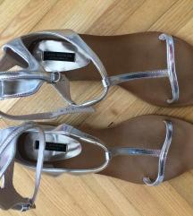 Zara srebrne sandale novo