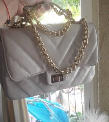 Perla bijela torba sa zlatnim lancem