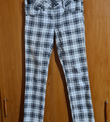 %%H&M young mrkva hlače XS/S