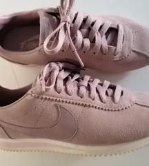 Nike Cortez lila