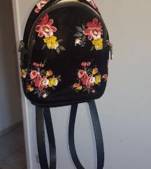 ZARA baršunasti mini ruksak