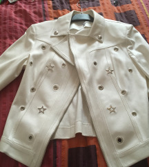 Dizajnerska jaknica iz Pariza, dobivena na poklon