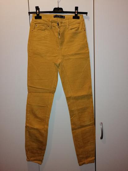 Žute hlače