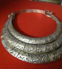 Raskošna tribal ogrlica
