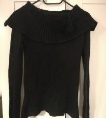 Crni pulover sa ovratnikom 20 kn