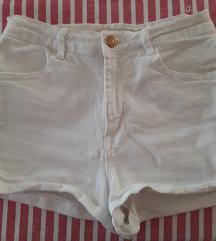 Zara bijele jeans hlace