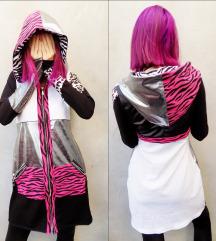Silver-pink animal print hoodie haljina