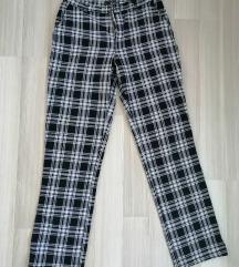 karirane, tople, duboke hlače
