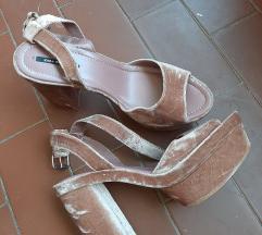 Sandale pliš