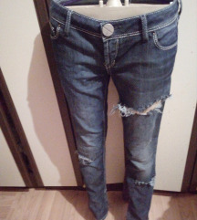 Guess traperice br. 29