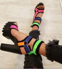 Neon sandale