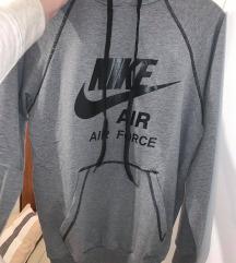Nike duksa