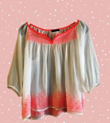 Boho bluza sa ružičastim detaljima