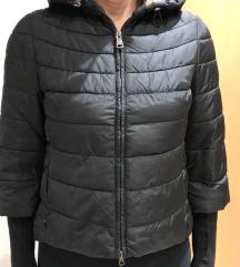 Crna jakna super kroj