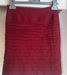 Bordo crvena mini suknja 36