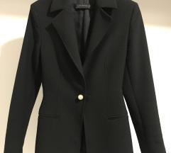 Crni sako s biserima