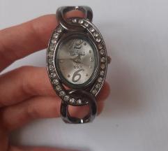 Prodajem srebrni sat sa cirkonima