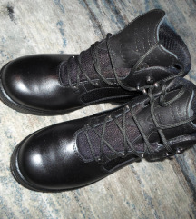 muške visoke cipele br. 42