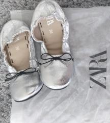 Metalizirane srebrne balerinke Zara br  36