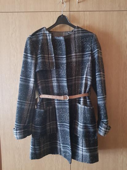 Zara vuneni karirani kaput