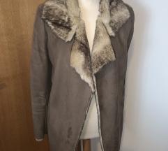 Prodajem krzneni Liu Jo kaput