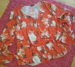 Crvena cvjetna bluza