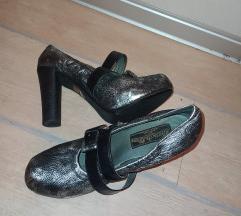 Lude srebrne cipele