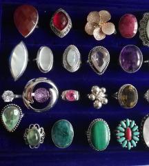 Srebrni prsteni s poludragim kamenjem