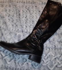 Crne visoke cizme