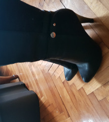 Visoke cizme na petu