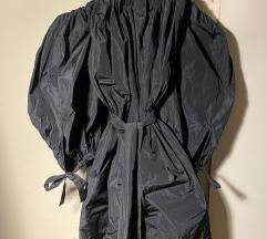 Crna haljina puf rukava