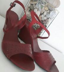 %%% crvene kožne sandale 40