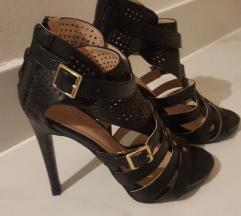 Nove crne sandale 37