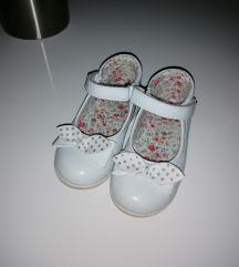 Djelje sandalice br. 23+gratis sandalice