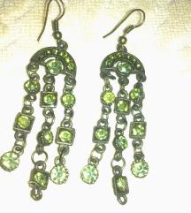Naušnice sa zelenim kristalićima