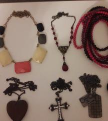 Lot 11 komada ogrlica, lančića