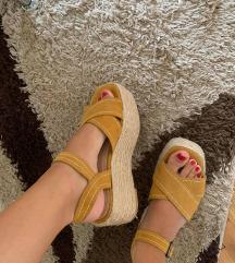 Bershka sandale samo 100kn