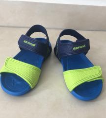 Nove sandalice 25