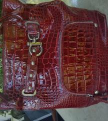 Kožna crvena lakirana torbica