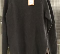 Novi muški pulover s etiketom S