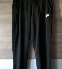 M Nike crna trenirka