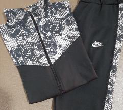 Nike trenirka XL