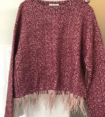 Zara pulover s perjem
