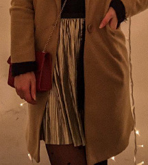 Zlatna plisirana suknja