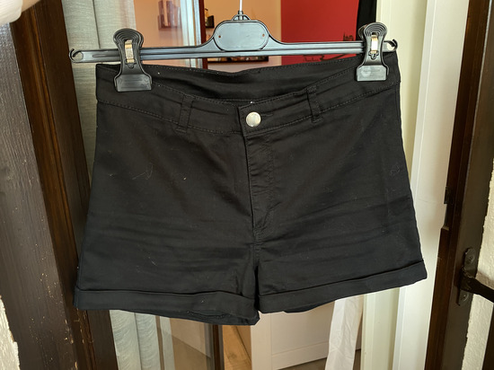 Kratke hlače H&M vel. 38